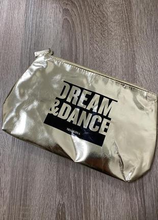 Фирменная, косметичка бренда «shakira dream&dance»