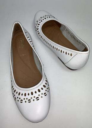 Индонезия! отличные кожаные женские туфли clark's. размер 37. стелька 24.