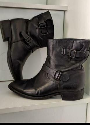 Фирменные кожаные ботинки угг 38 размер