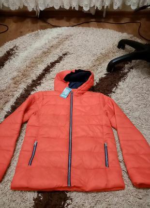 Продам дуже класну нову хлопчачу курточку