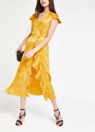 Золотое макси платье с рюшами на запах вискоза river island