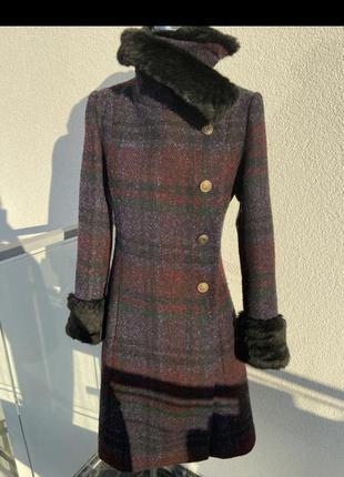 Неймовірне пальто