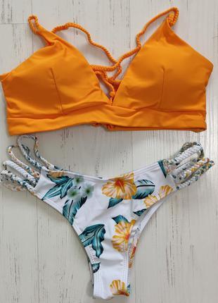 Купальник оранжевый с цветами