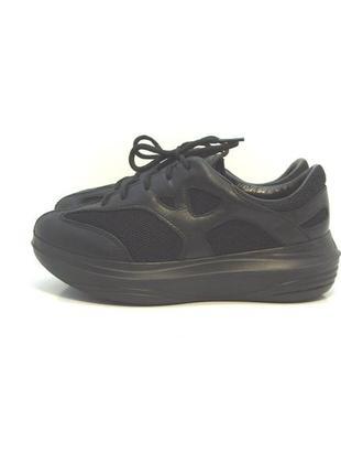 Оригинальные кожаные кроссовки р. 36