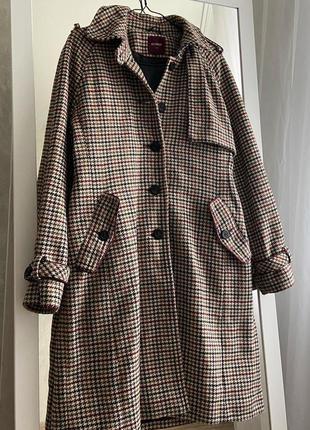Качественное клетчатое пальто