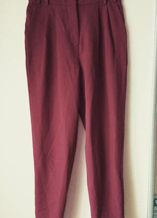 Зауженные брюки бордового цвета с высокой посадкой missguided