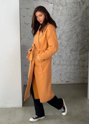 Пальто оранжевое демисезонное