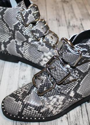 Кожаные ботинки steve madden recharge grey snake