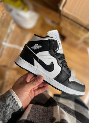 Зимние мужские высокие кожаные черно-белые кроссовки nike air jordan 1 🆕найк аир джордан
