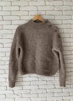 Светло-коричневый свитер тёплый мохер размер m