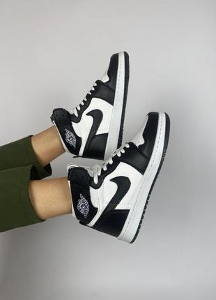Женские кроссовки nike air jordan 1 retro high черно белые