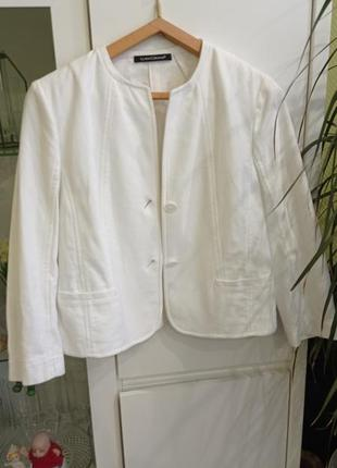 Белый хлопковый жакет пиджак с карманами