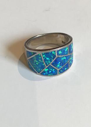 Италия. серебряное широкое кольцо с натуральными опалитами. 8.30 гр.