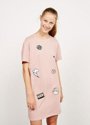 Платье-футболка с аппликациями patch t-shirt dress