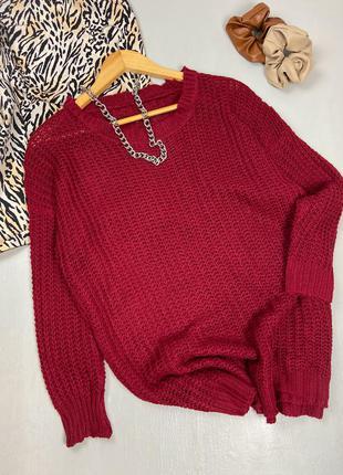 Вязаный бордовый свитер оверсайз
