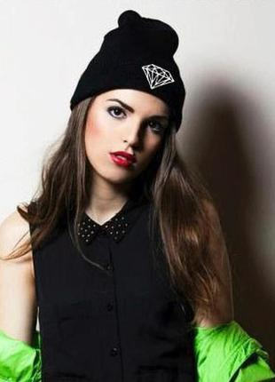 13-259 крута стильная модная шапка с бриллиантом