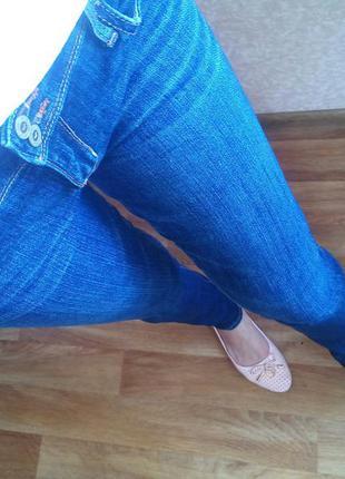 Шикарные джинсы брендовые отличное качество  hollister