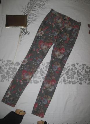 Штаны  джинcы скинни skinny с цветами цветочный принт only