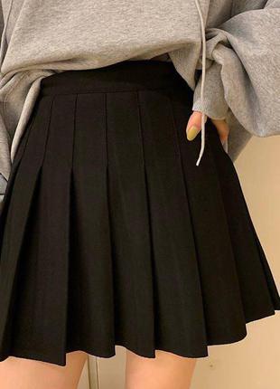 Чёрная теннисная юбка