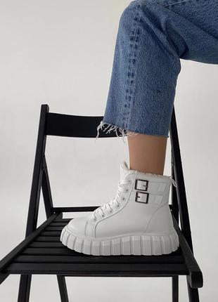 Белые ботинки зима экокожа на шнуровке