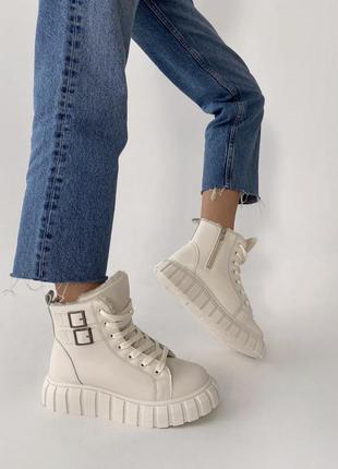 Бежевые ботинки зимние экокожа