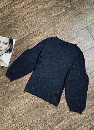 Потрясающе красивый вязаный свитер с пышными рукавами