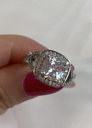 Серебряное 925 кольцо с фианитами