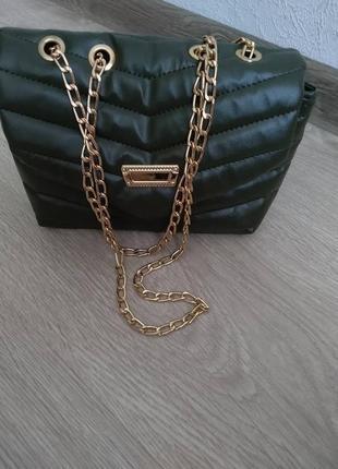 Маленькая сумка с цепью