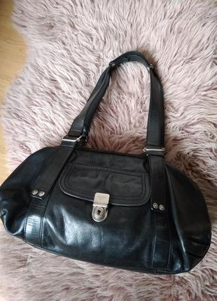Кожаная брендовая  сумка с замочком
