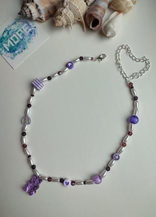 Чокер из бисера и бусин, белый, сиреневый, фиолетовый, жемчуг, мишка, колье, ожерелье