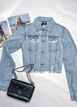 Укорочённая джинсовая куртка/джинсовка/пиджак prettylittlething