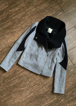 Очень стильная шерстяная куртка косуха. оригинал
