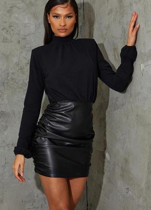 Pretty little thing платье чёрное водолазка юбка из эко кожи с длинным рукавом по фигуре новое