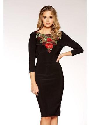 Quiz платье чёрное по фигуре карандаш футляр миди с длинным рукавом красная вышивка цветы