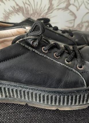 Кожаные мокасины, ботинки, кроссовки