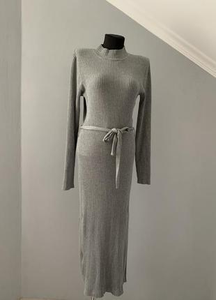 Платье трикотаж рубчик серое стойка осень jean pascale