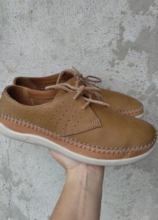 Р.39.5 clarks (оригинал) кожаные туфли кроссовки.
