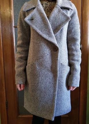 Пальто серо-бежевое новое