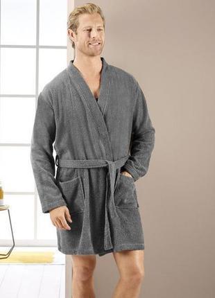Махровый мужской халат miomare