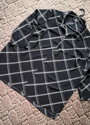 Стильная чёрная шифоновая блуза в белую полоску