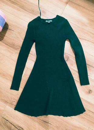 Крутое платья в рубчик теплое