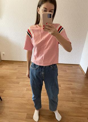Укорочена футболка bershka