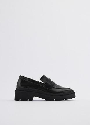 Новые трендовые туфли лоферы zara в размере 40