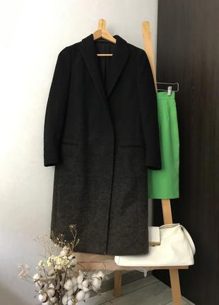 Стильне шерстяне пальто