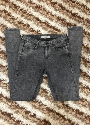 Серо-чёрные джинсы скини topshop