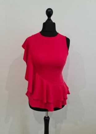 Красная блуза с рюшей guess