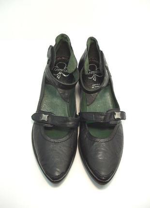 Оригинальные кожаные туфли karston р. 38-39