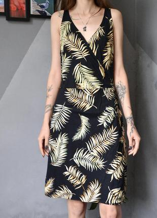 Летнее платье с листьями имитация запаха h&m
