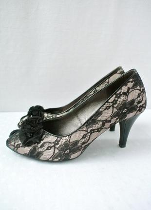 Элегантные брендовые туфли next с кружевом. размер uk 5/eur 38.