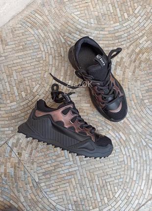 Черные осенние ботинки кроссовки криперы на толстой подошве